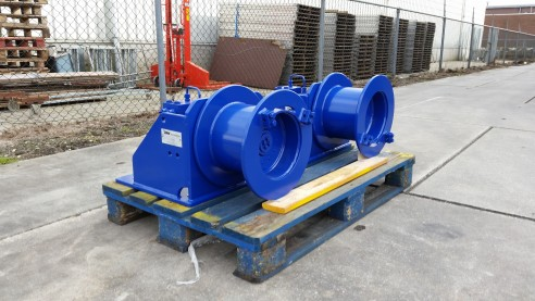 Hydraulic Spud Pole Winches