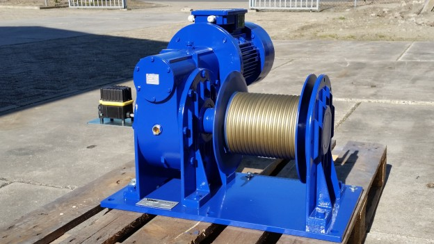 Delivery of Electric Worm Wheel Hoisting Winches