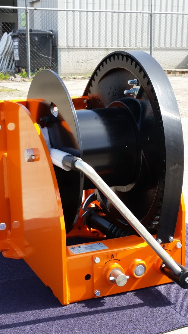 Manual Worm Gear Winch capacity 5000 Kg. in stock